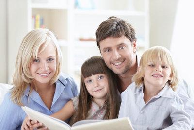 Ein Stammbuch dokumentiert die Familiengeschichte.