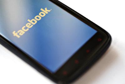 Smileys, Profilbilder und Logos über Facebook verschicken.