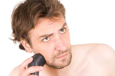 Viele Männer haben keinen gleichmäßigen Bartwuchs.