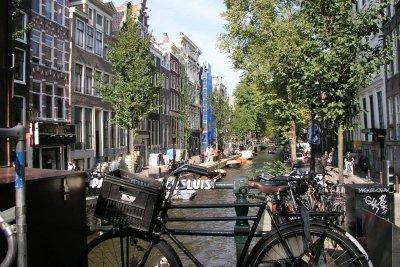 Amsterdam ist auch bei schlechtem Wetter ein Erlebnis.