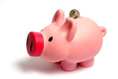 Durch eine Überweisung können Sie Zinsen sparen.