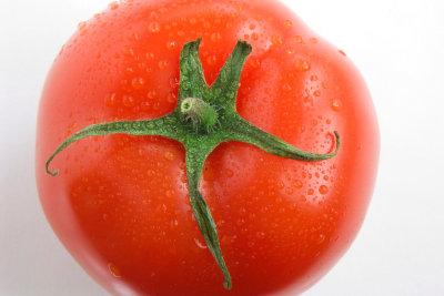Tomaten helfen gegen Mitesser.