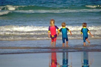 In Australien sollte auch Badekleidung viel Haut bedecken.
