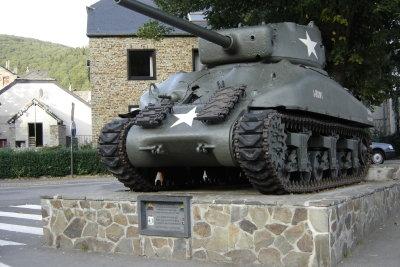 Bei der Bundeswehr werden nicht nur Wehrdienstleistende gesucht.