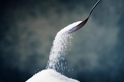 Zuckerkonsum kann mit einer Zuckerdiät bekämpft werden.