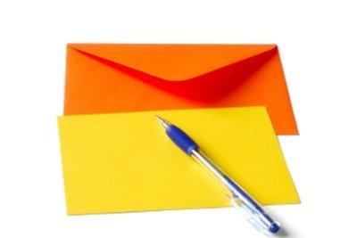 Briefe selbst zu falten, kann auch ein netter Zeitvertreib sein.