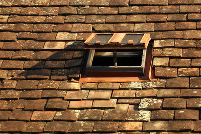 Dichten Sie ein Dachfenster richtig ab.