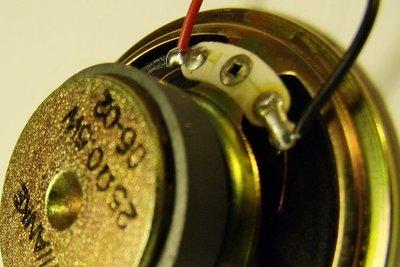 Lautsprecher sollten richtig angeschlossen werden.