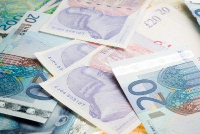 Vorteile und Nachteile beim Bezahlen per Rechnung.