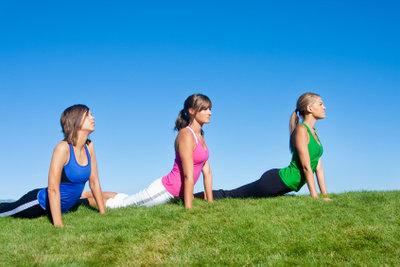 Yin Yoga wirkt positiv auf das Bindegewebe.
