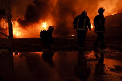 Krisenmanagement - Menschen und Sachwerte bei Großbränden schützen
