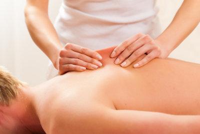 Massagen können entspannen.