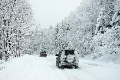 Schneeketten geben Ihrem Fahrzeug den nötigen Halt.