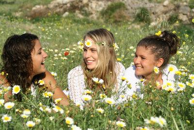 Während der Flower-Power-Zeit waren Blumenkränze modern.