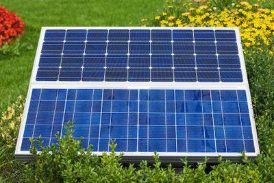 Eine Solaranlage am Balkon sieht man selten.