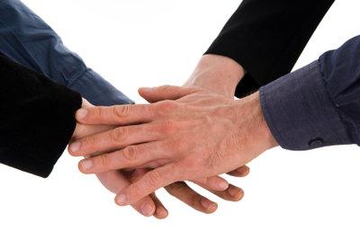 Handschlag kann Vereinbarung zum Vertrag machen.