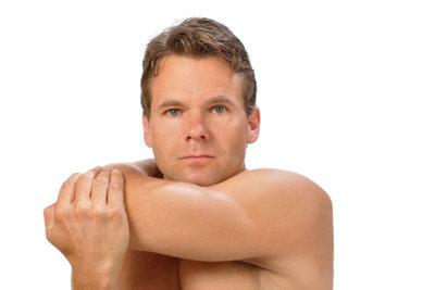 Übungen für die Schultern sind wichtig für Handballspieler.