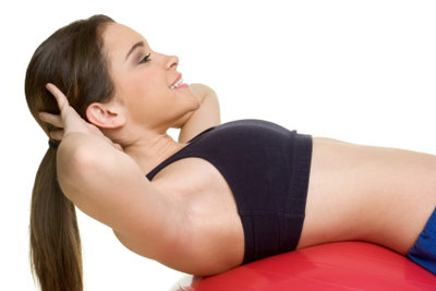 Diverse Übungen aktivieren unterschiedliche Bauchmuskelpartien.