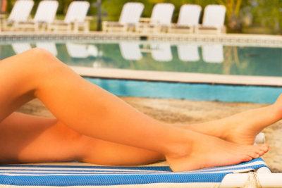 Schöne braune Beine gefallen jedem.