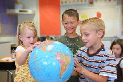 In Schulen sind Globen besonders wichtig.