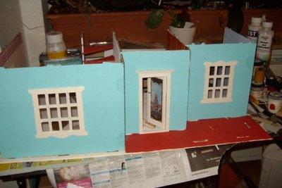 Bauen Sie das Haus 3965 von Playmobil aus Holz.
