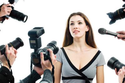 Paparazzi - die aufdringlichen Journalisten verfolgen Prominente auf Schritt und Tritt