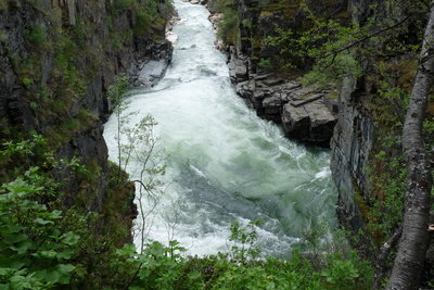 Das Plätschern eines Wasserfalls kann als MP3 abgespeichert werden.