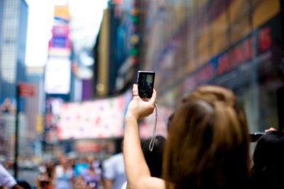 Für Werbung, wie hier am New Yorker Time Square, gibt die Industrie viel Geld aus.