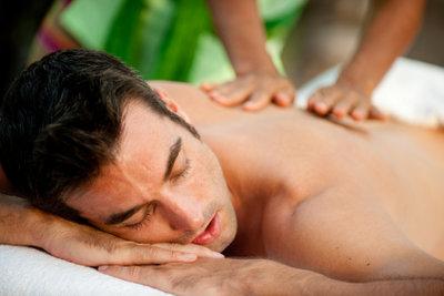 Fango ist eine gute Vorbereitung für eine Massage.