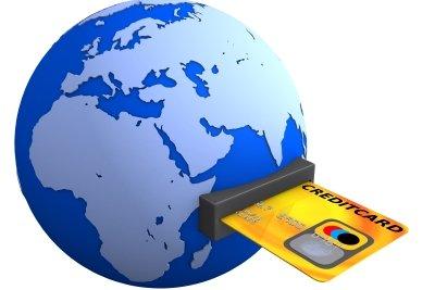 Mit der EC-Karte der Postbank bekommen Sie auch im Ausland Geld.