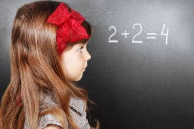 Die Quersumme kann in der Grundschule schon zum Kinderspiel werden.