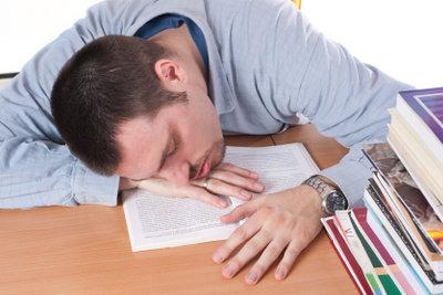 Schlafen in der Mittagspause im eigenen Büro ist kein Problem.