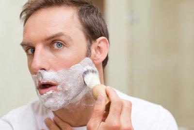 Die regelmäßige Rasur ist wichtig.