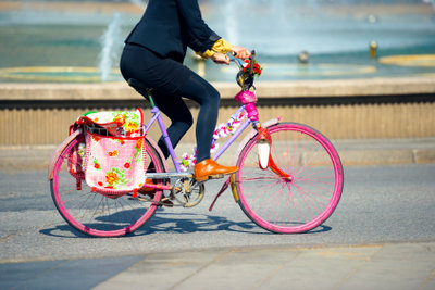 Bunt und farbenfroh: Ein lackiertes Fahrrad