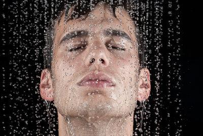 Duschen nach dem Solarium vermeiden