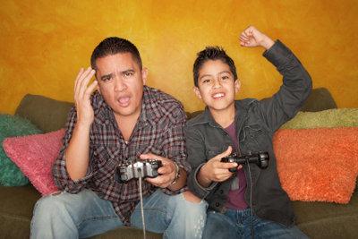 Computer- und Konsolenspiele sind bei Jung und Alt gleichermaßen beliebt.