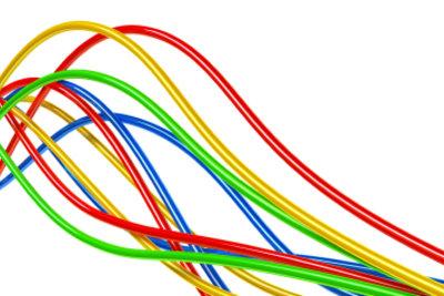 Kabelfarben kennzeichnen die Belegung.