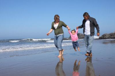 Das Verreisen mit Kindern muss nicht teuer sein.