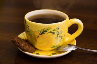 Eine saubere Kaffeemaschine sorgt für ungetrübten Genuss.