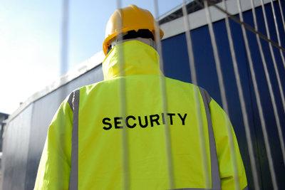 Securitymitarbeiter brauchen eine Sachkundeprüfung.