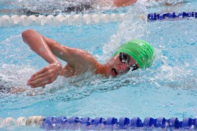 Zum Bronze-Schwimmabzeichen gehört mehr als nur Schwimmen.