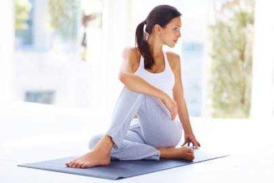 Rückenblockaden kann man mit den richtigen Übungen lösen.