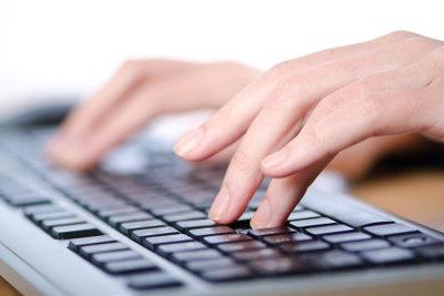 Mithilfe der Bildschirmtastatur und der Alt-Codes verschiedene Zeichen und Symbole erzeugen