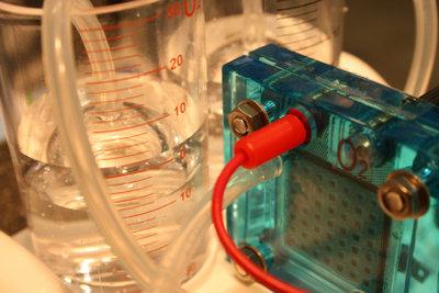 Für Experimente wird oft destilliertes Wasser benötigt.