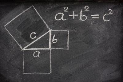 Meist lässt sich der Satz des Pythagoras benutzen.