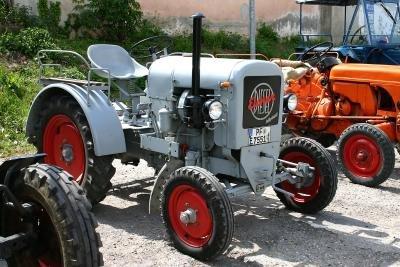 Traktoren der Marke Eicher sind robust.