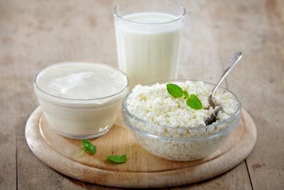 Auch Milchprodukte haben viel Calcium.