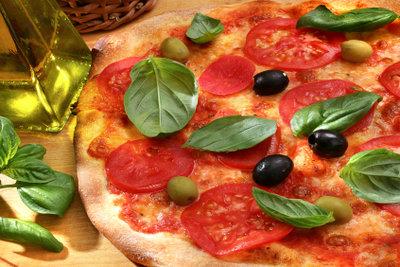 Mit frischen Zutaten ist jede Pizza ein Genuss.
