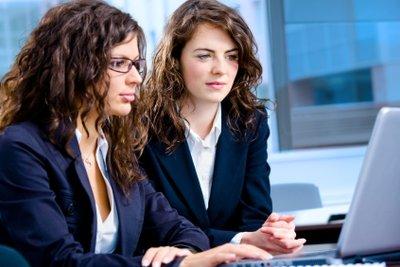 Auch als Anwältin lässt sich online Geld verdienen.