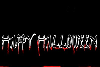 Halloween ist ein guter Anlass für eine Schminkaktion in der Kita.